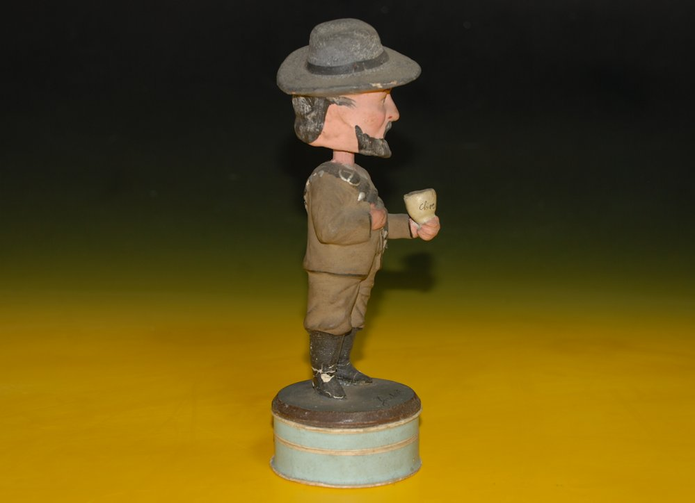 Head shaking figure from papier-mâché * Candybox - soldier ...